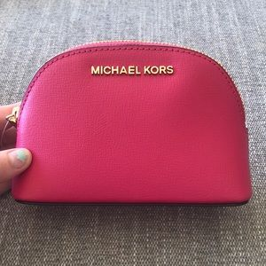NWT Michael Kors jet set travel makeup bag